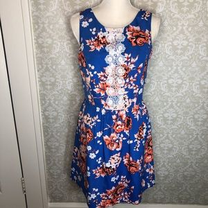 Kenzie Floral spring dress lace fit and flare M